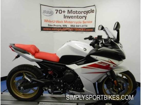 2010 Yamaha FZ6R 106404290 thumbnail1