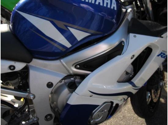 2001 Yamaha R6 107445922 thumbnail3
