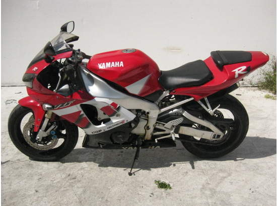 1999 Yamaha YZF-R1 103476872 thumbnail3