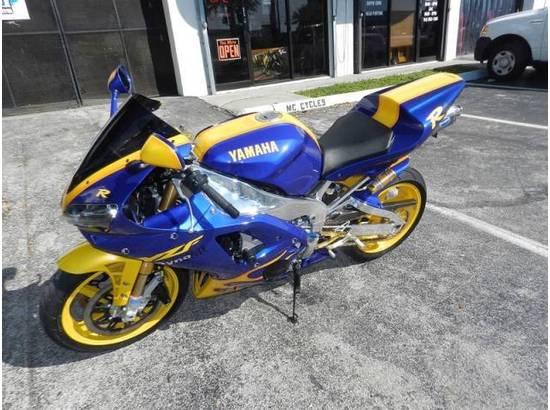 2000 Yamaha YZF-R1 107054613 thumbnail2