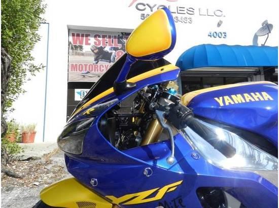 2000 Yamaha YZF-R1 107054613 thumbnail6