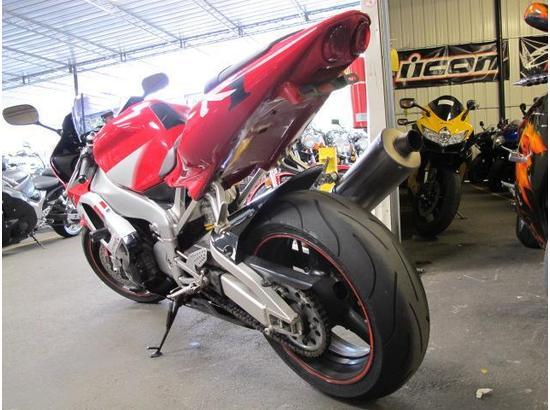 2000 Yamaha R1 107332181 thumbnail4