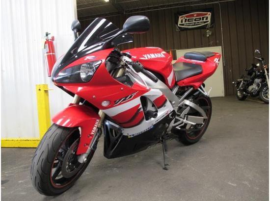 2000 Yamaha R1 107332181 thumbnail6