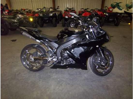 2005 Yamaha YZF-R1 95029728 thumbnail1