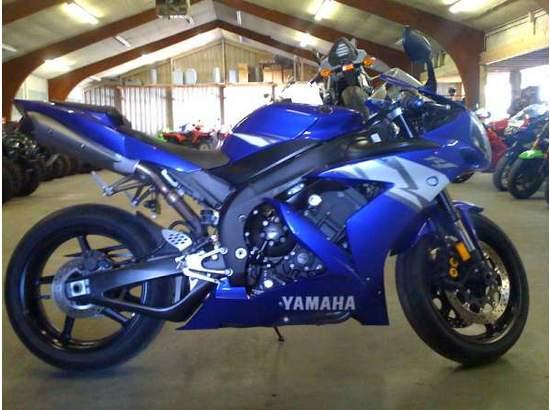 2004 Yamaha YZF-R1 95118132 thumbnail1