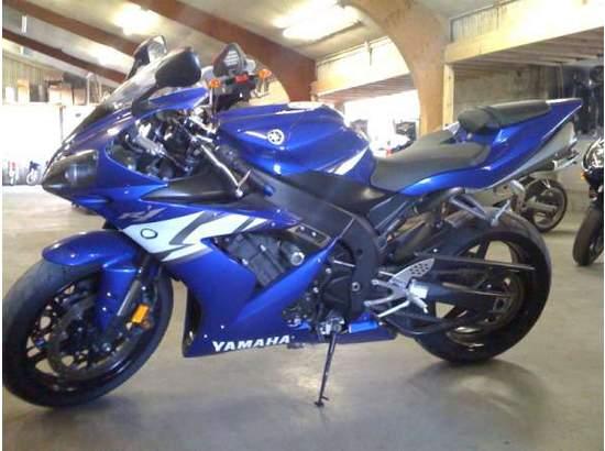 2004 Yamaha YZF-R1 95118132 thumbnail2